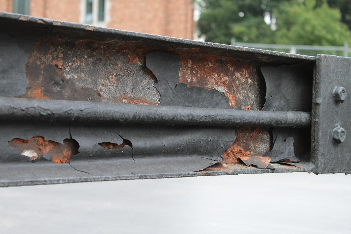 Corrosion on fountain pipes