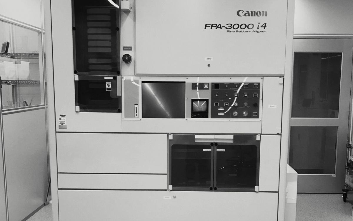 Photo of Canon i4 wafer stepper system