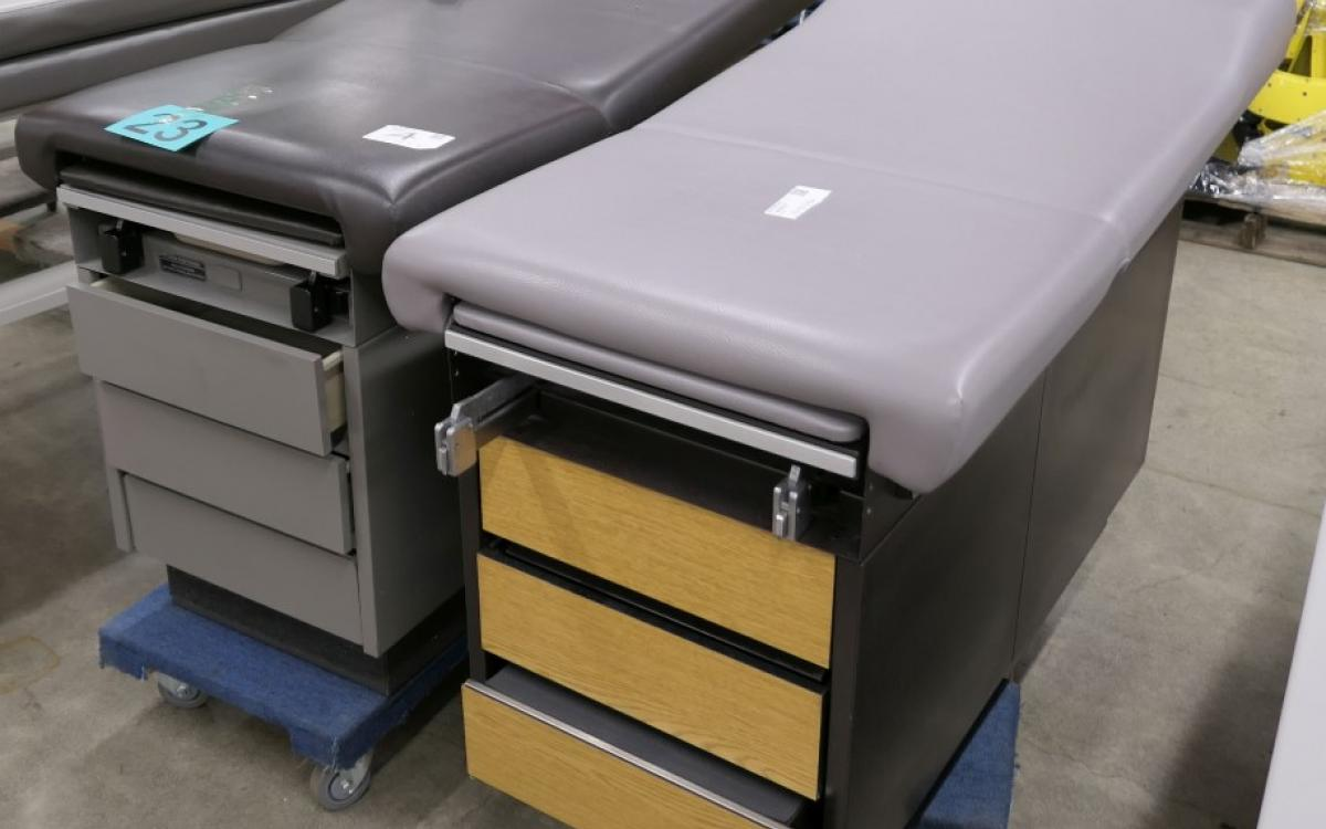 LOT 23 consists of a Ritter 100 exan table and a Midmark 100 exam table