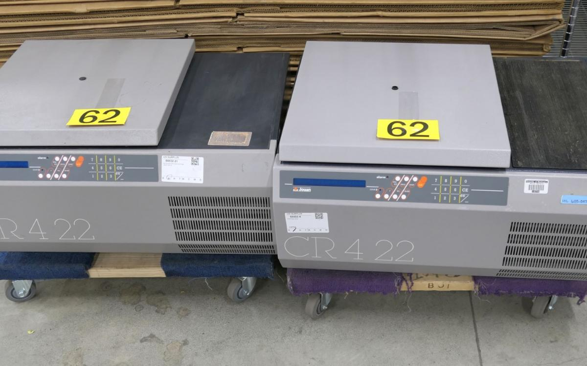 Photo of Lot 62: 2 centrifuges by Jouan